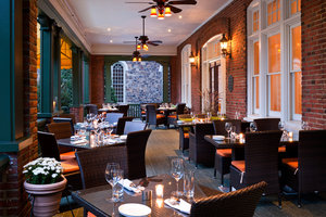 Restaurant - Wayne Hotel