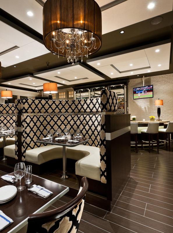Paramour Bistro Bar at Wayne Hotel