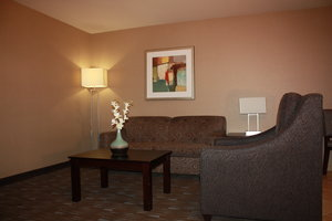 Suite - Holiday Inn Convention Center Ontario
