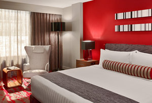 Suite - Sonesta Hotel Downtown Philadelphia