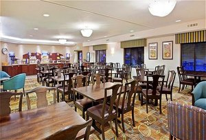 Restaurant - Holiday Inn Express Hotel & Suites Puyallup