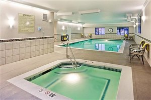 Pool - Holiday Inn Express Hotel & Suites Puyallup