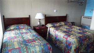 Room - Modern Motel Vinton