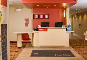 Lobby - TownePlace Suites by Marriott York