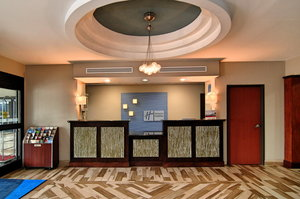 Lobby - Holiday Inn Express Hotel & Suites Southeast Roanoke Rapids