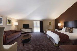 Suite - Radisson Hotel at Cross Keys Baltimore
