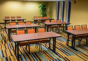Meeting Facilities - Fairfield Inn & Suites by Marriott Sharonville