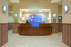 Lobby - Holiday Inn Express Pittston