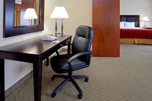 Suite - Holiday Inn Express Pittston