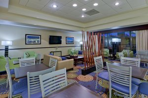 Lobby - Holiday Inn Express Hanover