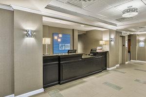 Lobby - Holiday Inn Express Minden