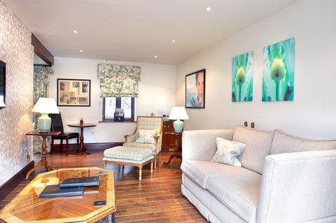 Miss Potter Suite Lounge
