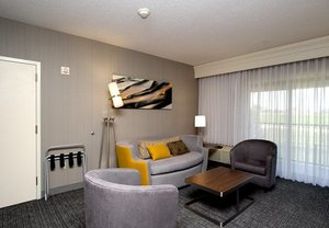 Room - Courtyard by Marriott Hotel Salina