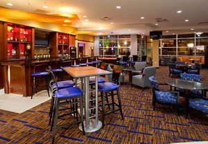 Bar - Courtyard by Marriott Hotel Maple Grove