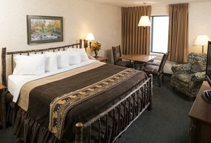 Suite - Kelly Inn & Suites Mitchell