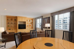 Room - DoubleTree by Hilton Hotel Downtown Toronto