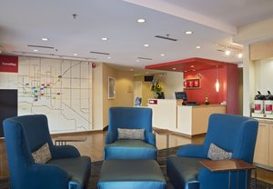 Lobby - TownePlace Suites by Marriott Garden City