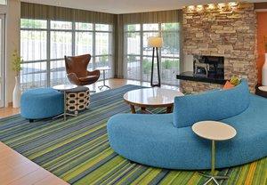 Lobby - Fairfield Inn & Suites by Marriott Cedar Rapids