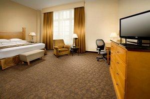 Suite - Drury Plaza Broadview Hotel Wichita