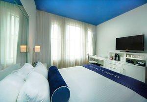 Room - Saint Hotel New Orleans