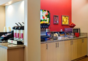 Restaurant - TownePlace Suites by Marriott Dodge City