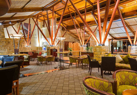 Barnabas Bar ¬タモ Lounge Area