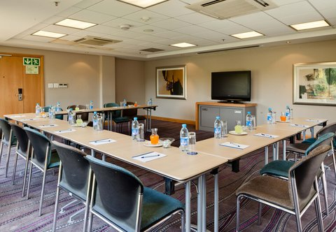 Conference Room ¬タモ U-Shape Setup