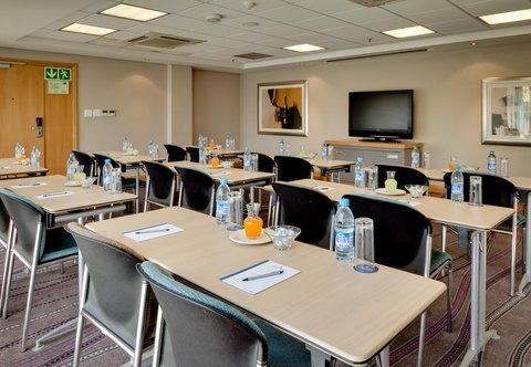 Conference Room ¬タモ Classroom Setup