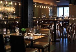 Restaurant - Renaissance Hotel by Marriott Downtown City Center Denver