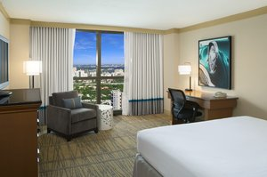 Room - DoubleTree by Hilton Hotel Airport Miami