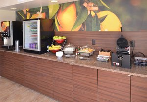 Restaurant - Fairfield Inn & Suites by Marriott Mt Laurel