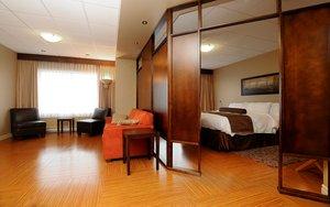 Suite - Hotel Dauphin Drummondville