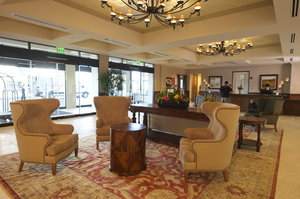 Lobby - Woolley's Classic Suites Aurora