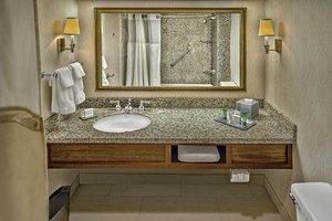 Room - DoubleTree by Hilton Hotel Airport Philadelphia
