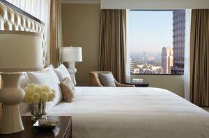 Suite - Four Seasons Hotel Atlanta