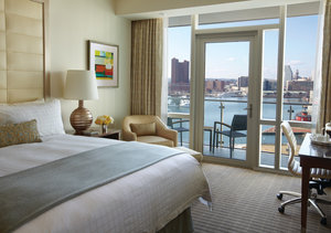 Room - Four Seasons by Sheraton Hotel Baltimore