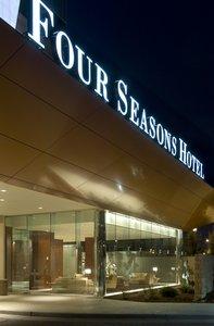 Exterior view - Four Seasons Hotel St Louis