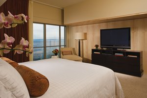 Suite - Four Seasons Hotel Seattle