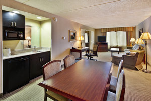 Suite - Holiday Inn Hotel & Suites Ann Arbor