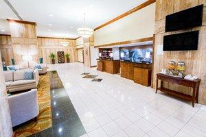 Lobby - DoubleTree by Hilton Hotel Airport Philadelphia