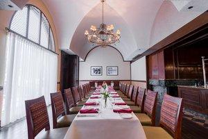 Restaurant - DoubleTree by Hilton Hotel Airport Philadelphia