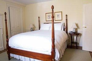 Room - Inn at Glencairn Princeton
