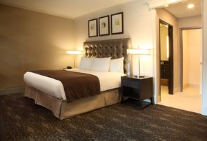 Room - DoubleTree by Hilton Hotel Claremont