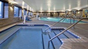 Pool - Holiday Inn Express Hotel & Suites Minnetonka