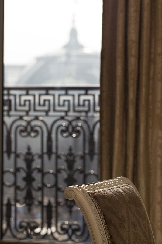 La Reserve Paris Suite Detail