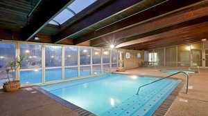 Pool - Holiday Inn Hotel & Suites Overland Park
