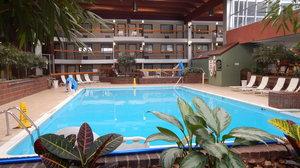 Pool - Park Inn by Radisson Beaver Falls