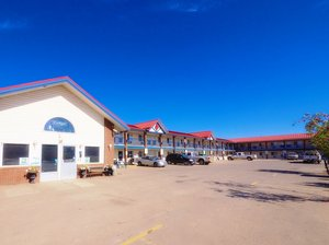 Exterior view - BCMInns Rustys Fort McMurray