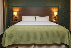 Room - Holiday Inn Downtown Des Moines