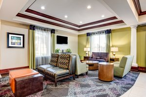 Lobby - Holiday Inn Express Hotel & Suites Raceland